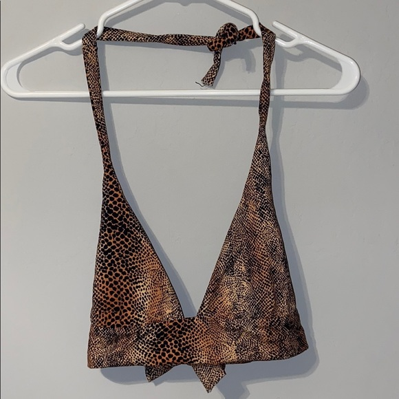 Boys and arrows animal print bikini top